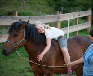 Horseback riding for kids at the Baerenwirt